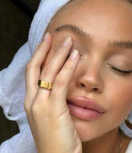 Jaggery remove pigmentation